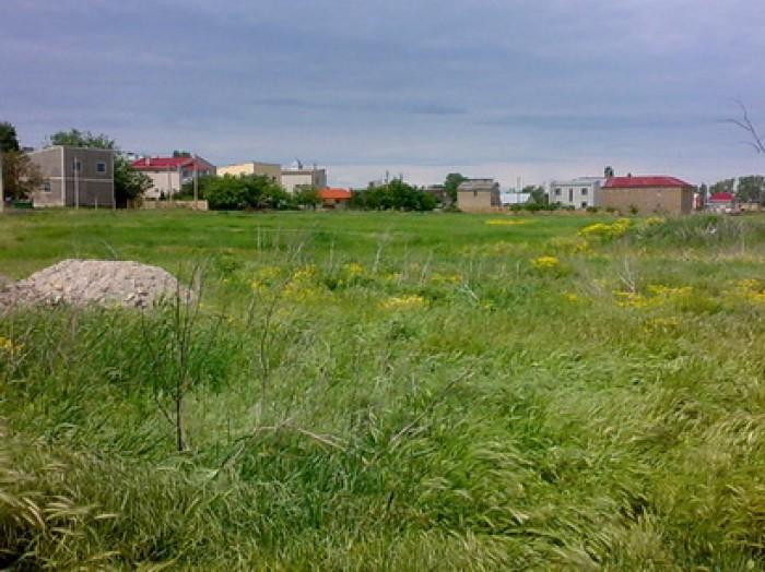 Херсонская обл. Скадовск. Площадь – 10 сот. (18х55 м). Целевое назначение -  под 637