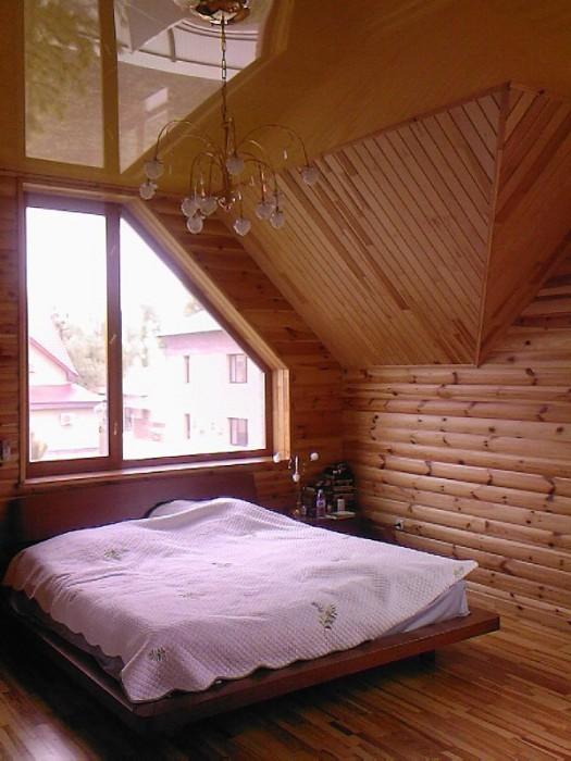 Дом находится в г.Святогорске, рядом р.Донец, зимний горнолыжный спуск, Святогор 6246