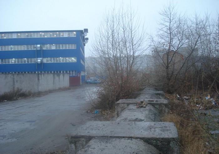Предлагается к продаже промышленный участок на территории бывшего завода Строй.  64115