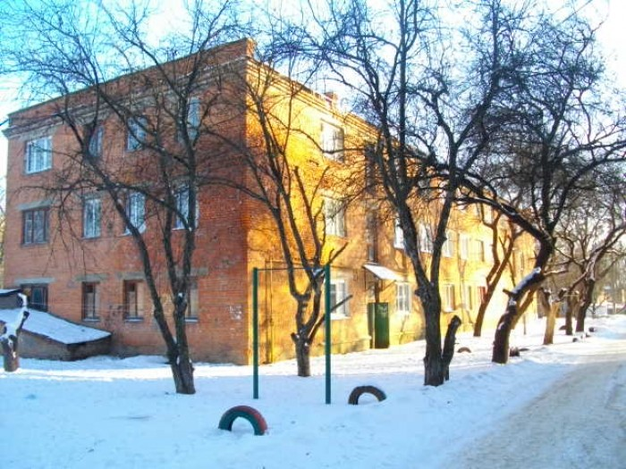 продам 1 комнатную гостинку жилой площ.24 м. в кирпичном доме по ул. Морозова,22 61193