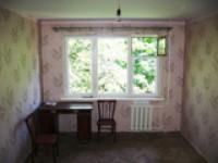Сдаю 2-ком. квартиру в жилом состоянии, меблированную, холодильник. Расположена  6170