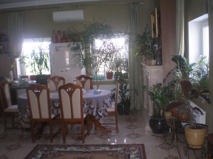 Беляевский район, с.Мирное продам дом 2008 года постройки,площадь-145 кв.м,4 ком 64677