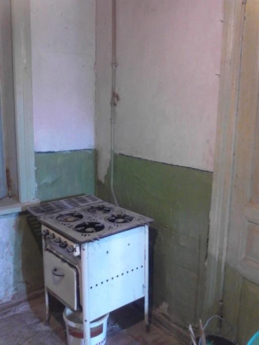 Отличная квартира не испорчена ремонтом! Не угловая. Квартира свободна для ваших 611705