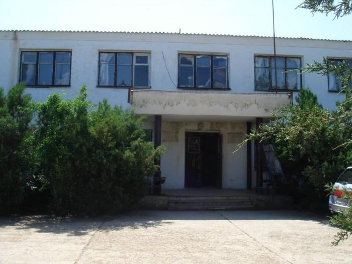 Симферопольский р-н, с. Родниковое. Продается отдельно стоящее двухэтажное админ 64732
