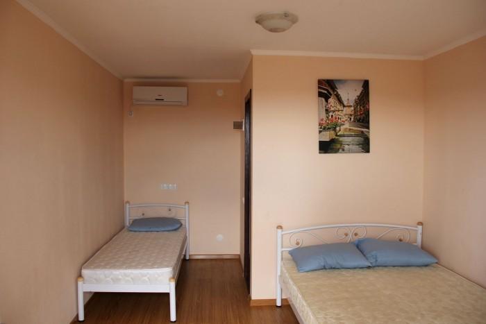 Действующая минигостиница 2 этажа общей площадью 395 кв.м. на участке 10,8 соток 64760