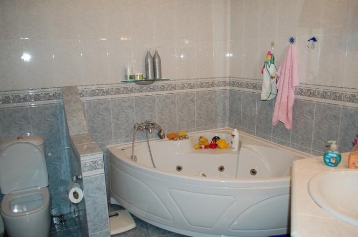 Срочно! Продам 4-х комнатную квартиру по адресу ул.Жуковского, 21 (дом стоит по  611832
