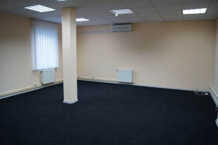 н/ф, офис занимает весь 1-й этаж Свежий евроремонт4 раздельных  кабинета (15, 31 64774