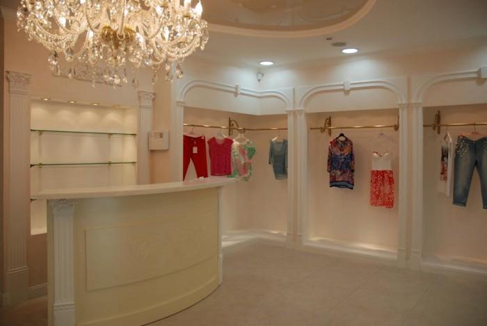 Продам действующий элитный бутик в Николаеве ,в историческом центре города . Диз 64788