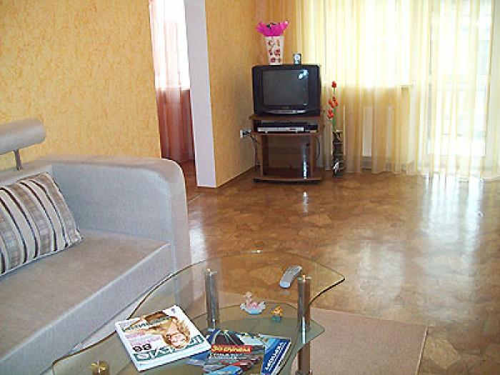 Сдаю посуточно свою 2-х комнатную квартиру в Одессе на ул. Садовая (между Дериба 611933