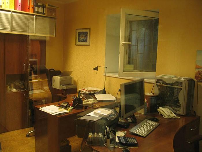 Чигорина,55,площадь 93 кв.м.полуподвал 3 окна,высота потолков 2.70м, кухня, сану 64837