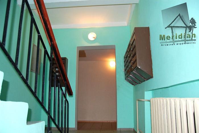 Отличная квартира в 5ти этажном кирпичном доме, с хорошим евро ремонтом.Коридорн 612021