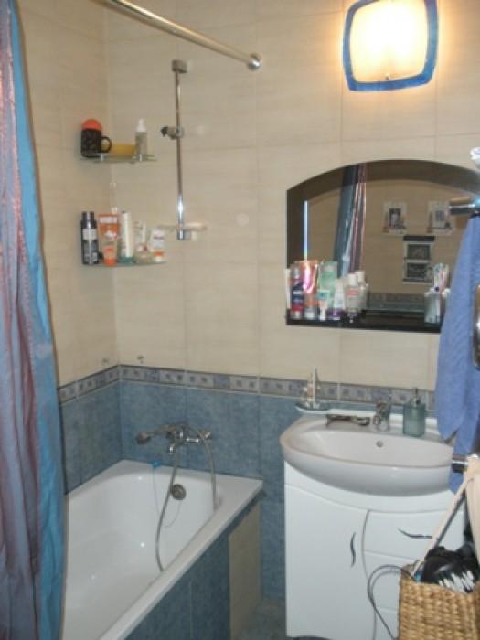 Продам 2-комнатную квартиру: Михайловская ул., новое 2-этажное строение внутри д 612077