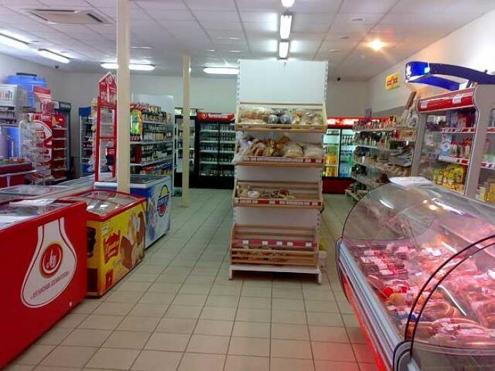 Действующий магазин,тип-самообслуживание,с оборудованием.Летняя площадка 150м.кв 64889