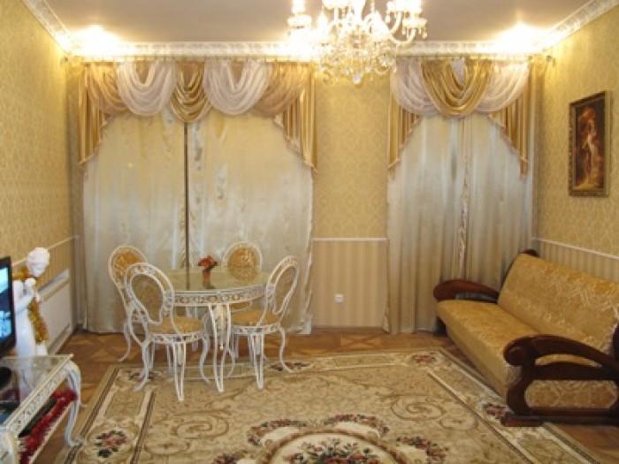 Это светлая и очень уютная квартира в центре на 2-ем этаже 4-ти этажного австрий 612231