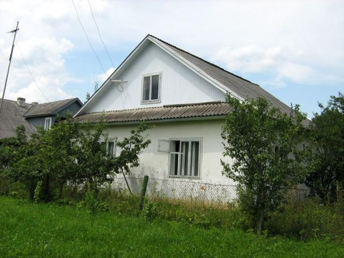 п. Делятин, ул. Ковпака 13 (возле Яремча)Этажей в доме: 2 (жилой-1)Комнат: 5Обща 621002