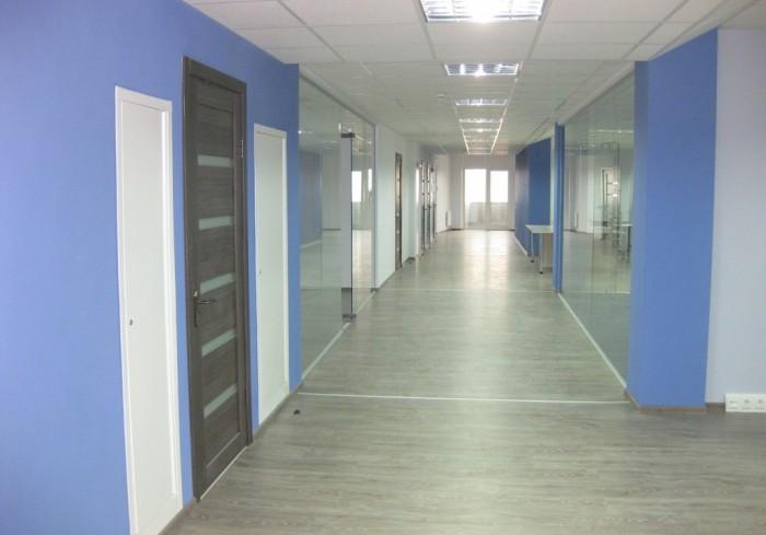 Офисы 500 и 1000м2 с vip ремонтом в бизнес-центре на Чайке