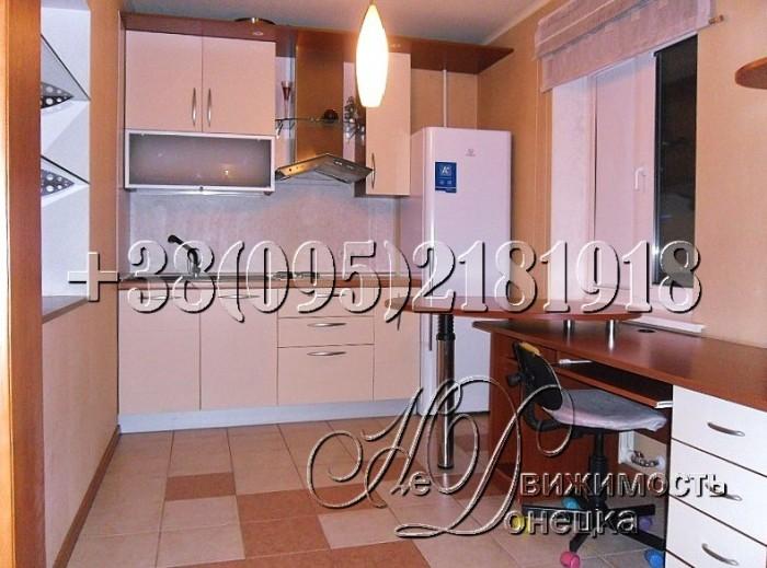 Укомплектована современной мебелью, кухонной и бытовой техникой, в частности: ст 61547