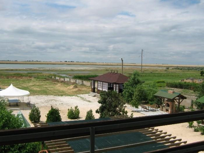 Продаётся дом для отдыха и бизнеса на Арабатской стрелке, пос. Генгорка. Участок 64318