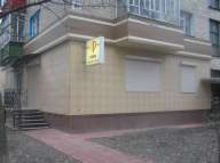 СДАМ В АРЕНДУ нежилое  торгово-офисное помещение 39,6 кв.м с отдельным входом по 64330
