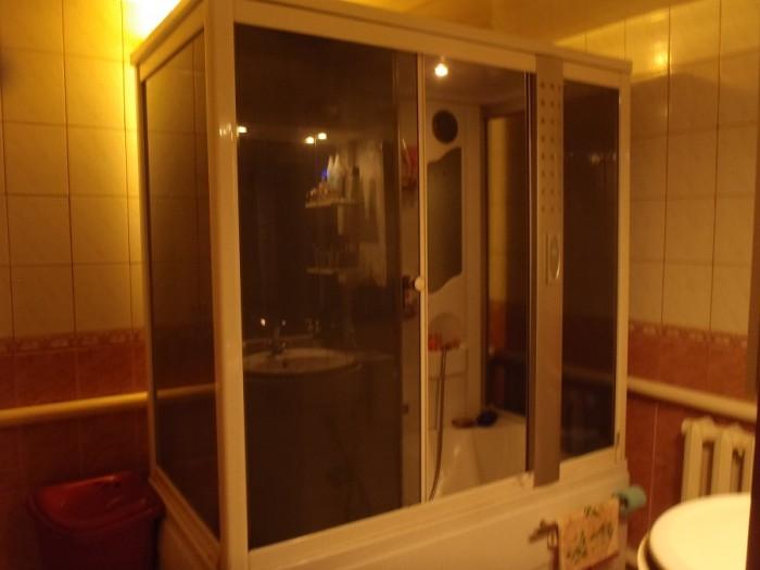 1 этаж:  Две спальни: 18,3 и 17,7 м  Кухня 16м  Ванна 7,5 м   Гардеробная 2,5, к 62358