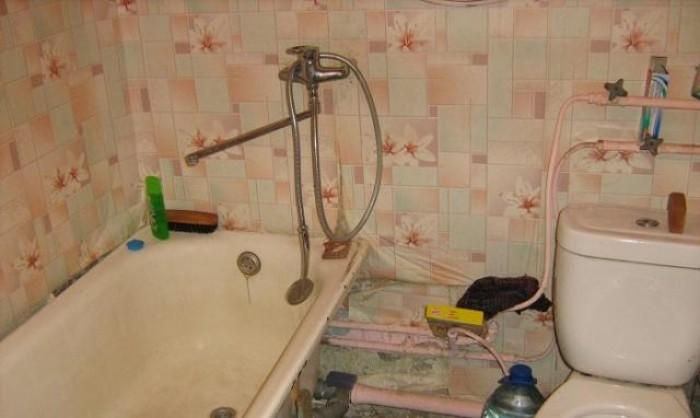 Продам 1 к кв 2/5, 603 м/н, 32/17/6, жилое состояние, плитка на кухне, остается  611023