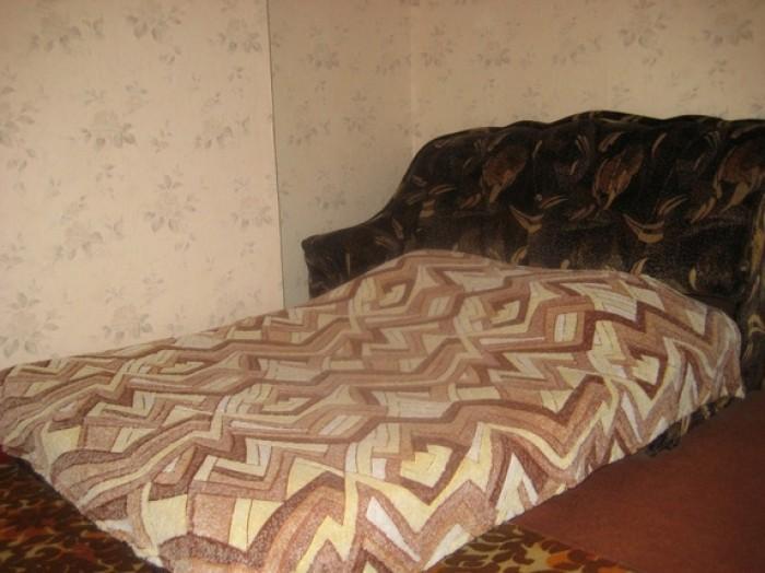 Сдаю ПОСУТОЧНО. Два раздельных спальных места, ТВ, утюг, душевая кабинка, холоди 611015