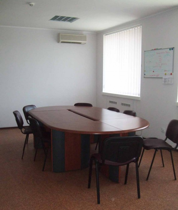 Сдаем офисы 30 грн./кв.м + коммунальные платежи на 1 и 2-м этажах админздания. В 64474