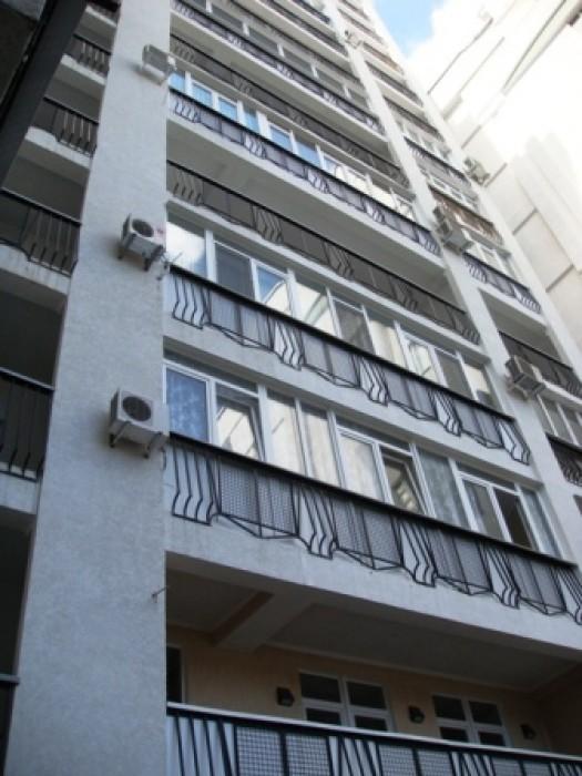 Продажа четырехкомнатной квартиры в Ялте в элитном новом доме на ул.Боткинская 1 611055