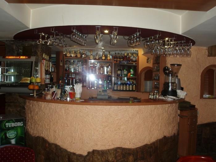 ЭКСКЛЮЗИВНАЯ ПРОДАЖА. Продам действующий бар на Набережной Ялты, первая линия. К 64541
