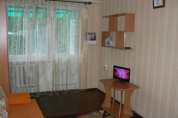 Квартира в центре Ялты, ул.Киевская, первая линия, находится в 800 м от моря, вс 611176