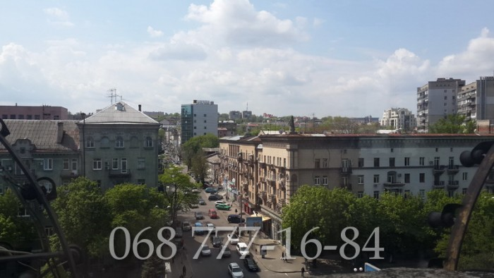 Сталинка площадь232кв.м.Квартира для желающих жить в центре!На пр. Карла Маркса  611205