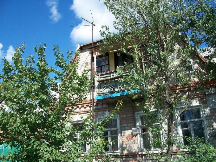 Капитальный (котеджного вида) дом в 2 этажа, 7 комнат с балконом  на 2 отдельных 62528