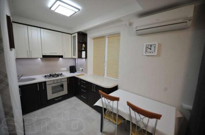 Сдам 2х комнатную по улице Панфиловцев, этаж 3/5, хороший евроремонт, цена 3900  611287