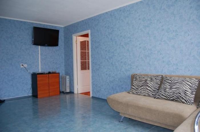 www.lf.lg.ua  +380501319949 .Сдам посуточно большую 2х комнатную квартиру-студию 611345