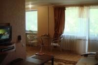 В Луганске сдам посуточно квартиру в аренду. Центр Евро-люкс кухня-студия встрое 61583