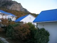 База отдыха Дельфин расположена на берегу бухты Ласпи, которая относится к Южном 62391