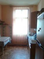 Квартира по ул Братьев Руснаков, старый фонд, 2 этаж 4-х этажного, высота 3 м, п 611263