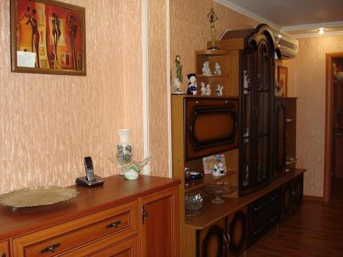 продам 4-х комнатную квартиру в Симферополе, евроремонт 2009 года, комнаты разде 612539