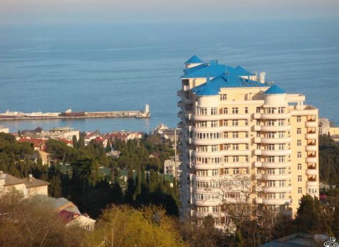 Продажа квартиры в Крыму, Ялта. 2 ккв ул. Щорса 20, 3 этаж 14 этажного здания. О 612703