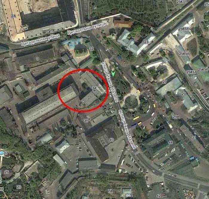 Центральное месторасположение - отдельно стоящее здание по улице И. Мазепы 34 с  641092