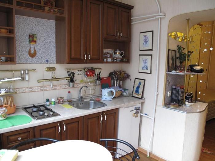 Продажа 1 ком. квартиры в Ялте, на ул. Садовая (центр)Квартира расположена в цен 612772