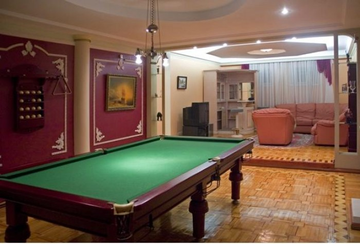 Продам элитный дом в Днепропетровске. Во дворе - бассейн, ландшафтный дизайн, га 621238