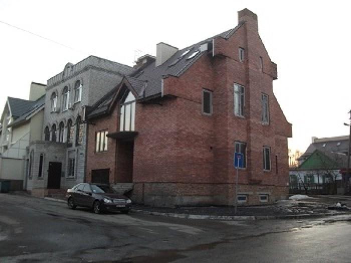 Дом в престижном районе Днепропетровска. Свободная планировка. Требует финишной  621266