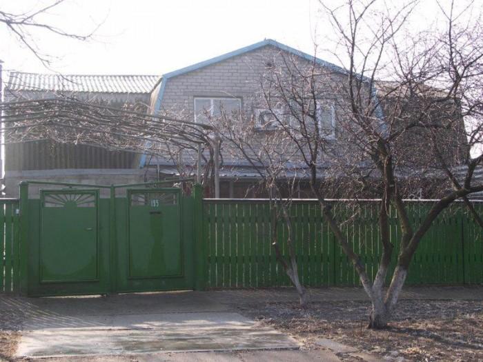 2-этажный дом на Азовском побережье в г. Приморск (центр города)на две семьи общ 621274