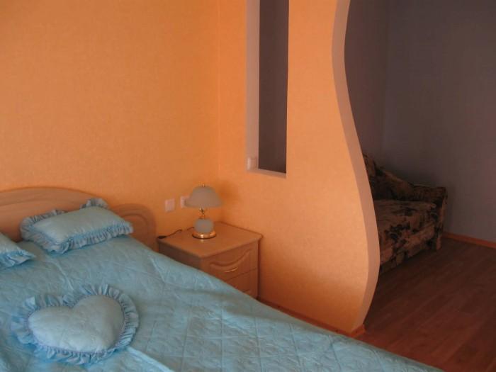 Возле Каштановой Аллеи сдам 1-комнатную квартиру в новом доме. Новый ремонт, меб 613015