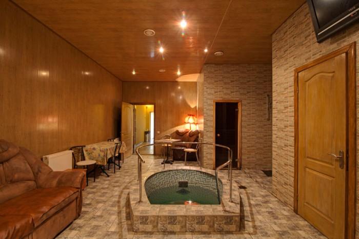 Продам коммерческое помещение общей площадью 230 метров. В помещении находится д 641242