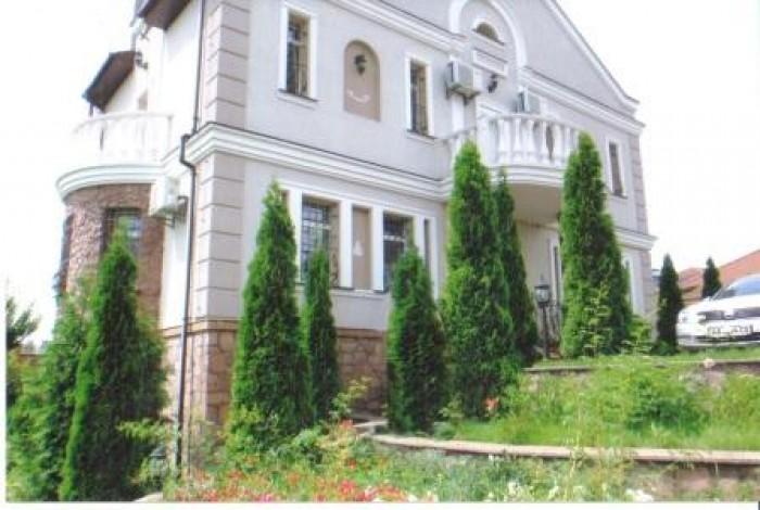 Лесники, Новая Обуховская трасса, 5 км от Киева, располагается имение 100 готовн 621352