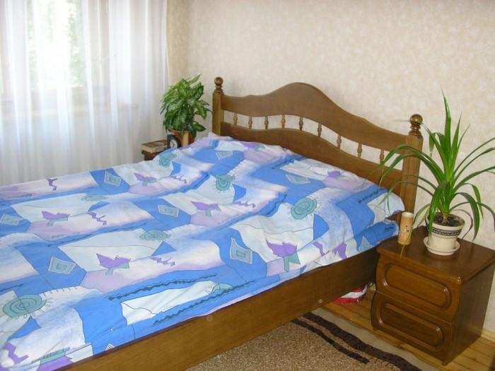 Сдаю 3-х комнатную квартиру в центре г. Бердянска (район центрального рынка), ул 613119