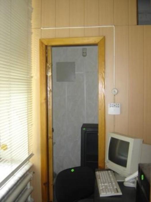 Продам 4-х к.кв. на 1 этаже 2-х этажного дома в центре старой  части  г.Бердянск 613324