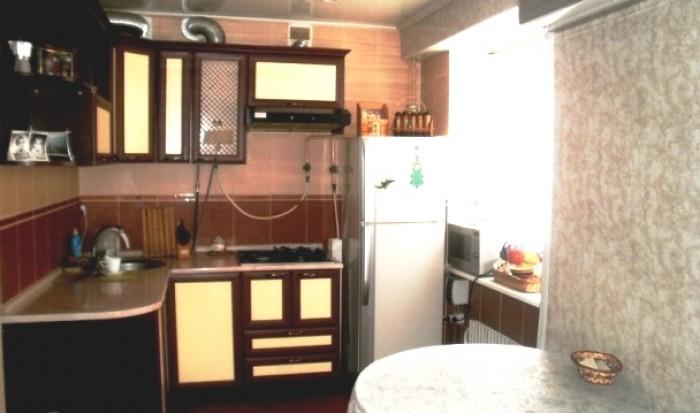 Сдам 1-комнатную (мини-двухкомнатную) квартиру-студию в Евпатории посуточно,в кв 613367